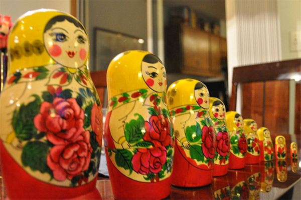 picture of a row of Russian stacking dolls